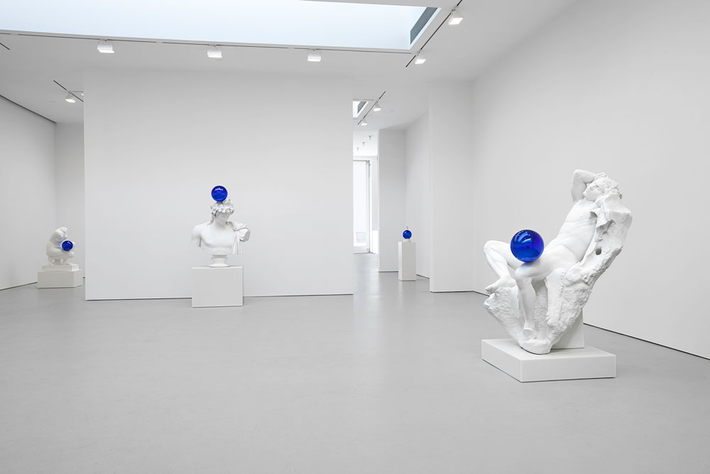 Installation view of the exhibition Jeff Koons: Gazing Ball at 525 and 533 West 19th Street in New York, dated 2013.