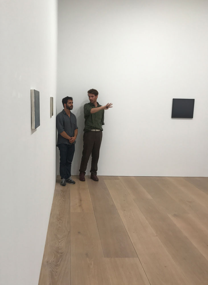 Lucas Arruda and Rodolphe von Hofmannsthal installing the exhibition Lucas Arruda at 24 Grafton Street in London, dated 2017.