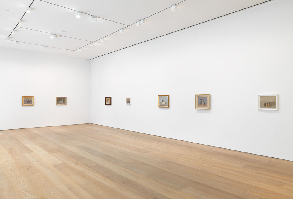 Installation view of the exhibition Giorgio Morandi at 537 West 20th Street in New York, dated 2015.