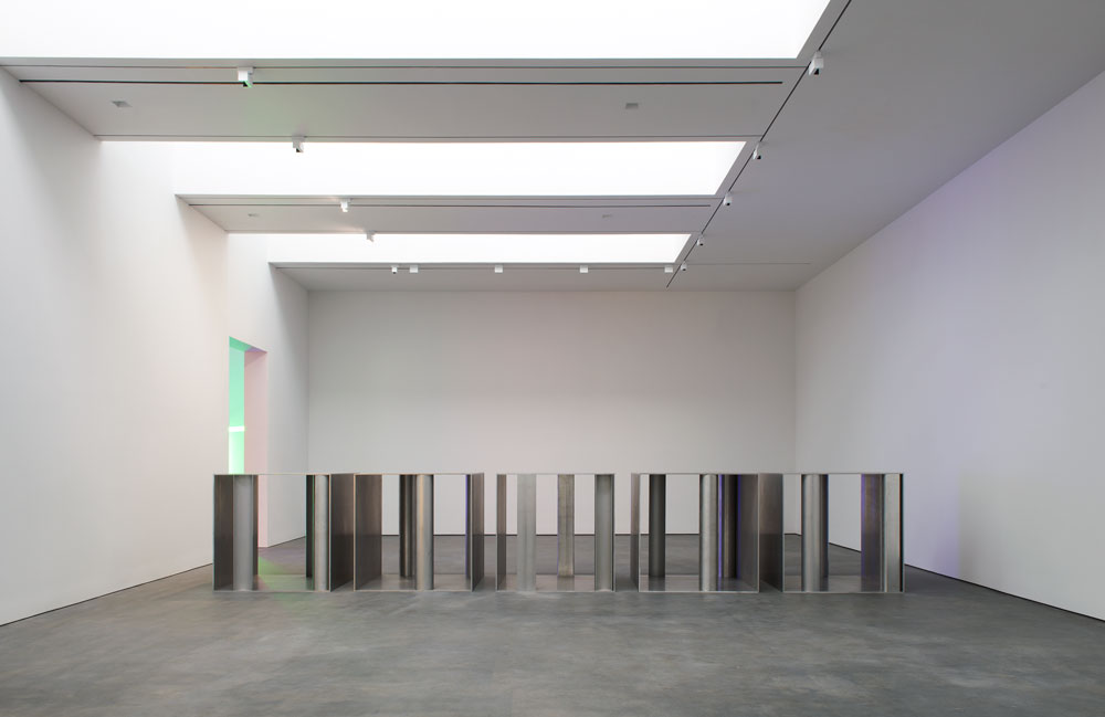Installation view of the exhibition Dan Flavin and Donald Judd at 537 West 20th Street in New York, dated 2013.